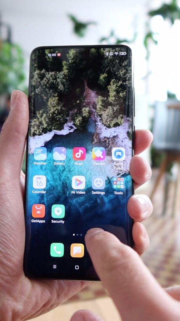 Xiaomi Mi 10 Ultra wyświetlacz